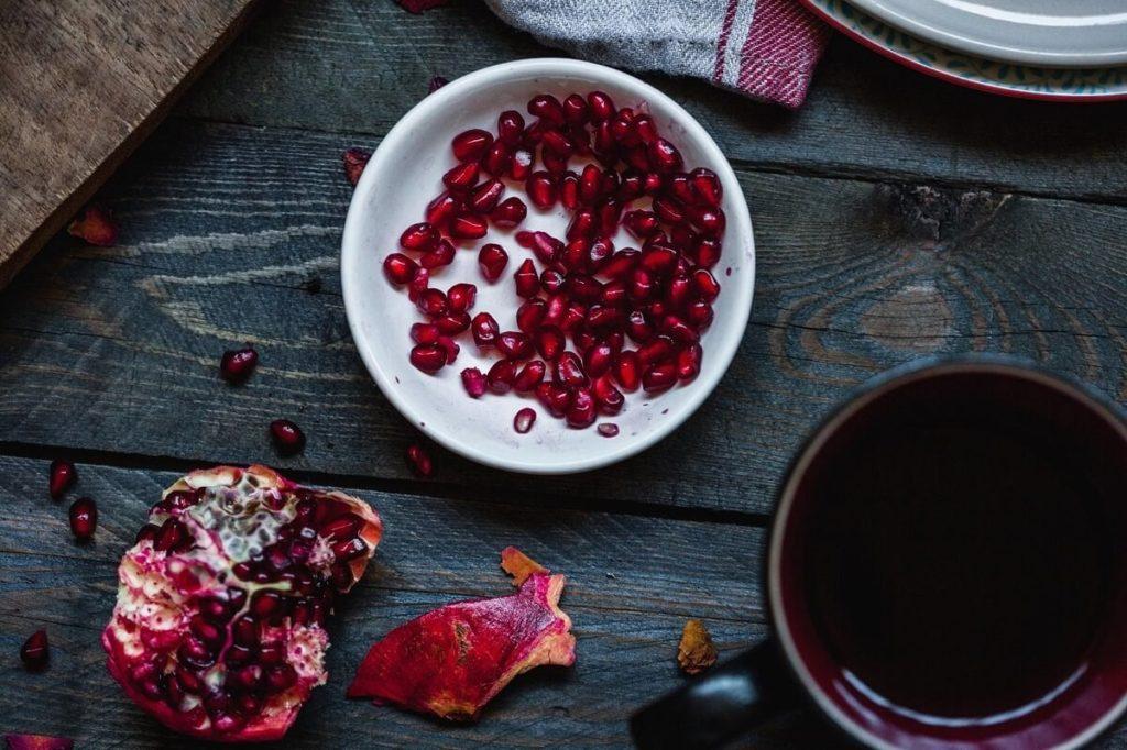Гранатовый чай с кожурой и зернами