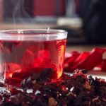 Чай каркаде и сухие цветы гибискуса