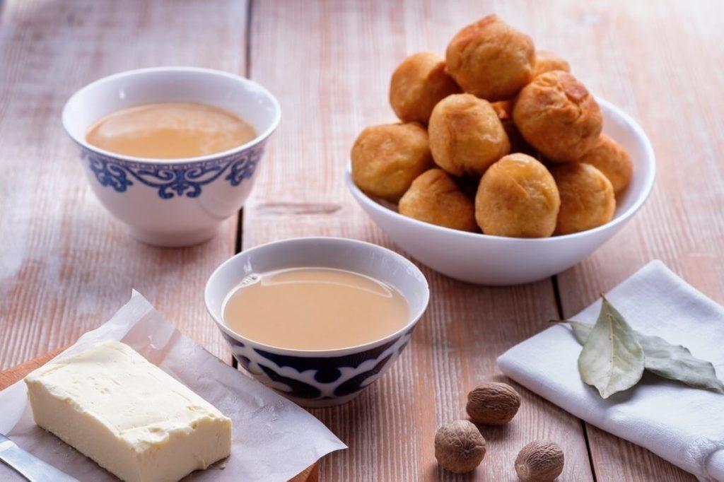 Калмыцкий чай, ингредиенты и выпечка