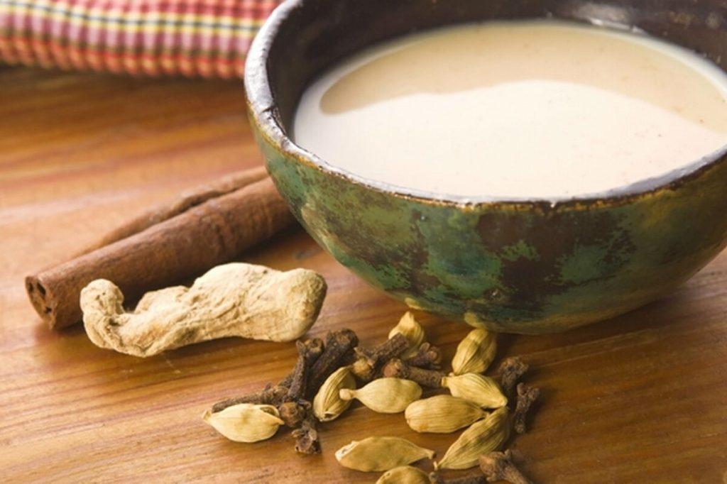 Специи и калмыцкий чай в пиале