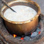 Заваривание чая масала в Индии