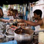Чай масала на базаре в Индии