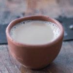 Чай масала в глиняной чашке