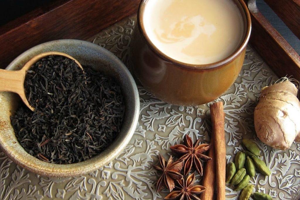 Чай масала, сухой черный чай и специи