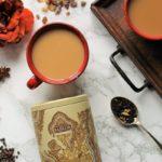 Специи, чай масала в банке и чашках