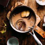 Заваривание чая масала
