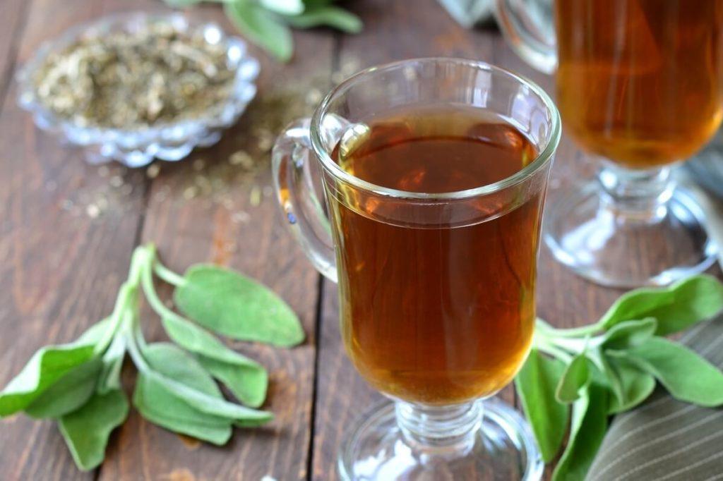 Напиток из листьев шалфея