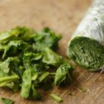 Заморозка шпината в пищевой пленке