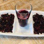 напиток из сухих лепестков суданской розы