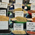Корица и другие специи на египетском рынке