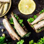 бутерброды с сардиной и зеленью