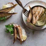 бутерброды с сардиной