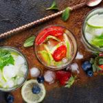 охладительные напитки с мятой и льдом