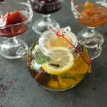 варенье и чай с мятой