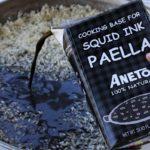 добавление чернил кальмаров в рис