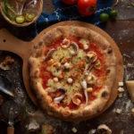 пицца с кальмаром и другими морепродуктами