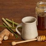 лемонграсс (лимонник, лимонная трава) сочетается с медом и имбирем