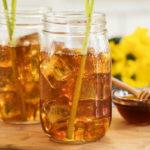 охлаждающий напиток с лимонной травой (лемонграссом) и медом