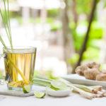 напиток из лимонника (лемонграсса) с имбирем