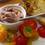 печень трески с томатами