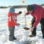 зимняя рыбалка с ребенком