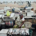 рыба на стихийном рынке