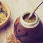 чай мате сухой, заваренный в калебасе